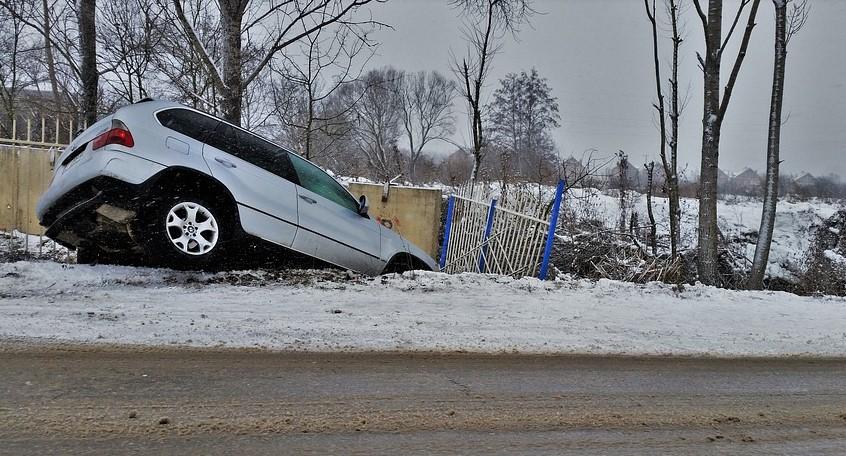 olycka med bil - dags att ringa en bilbärgare